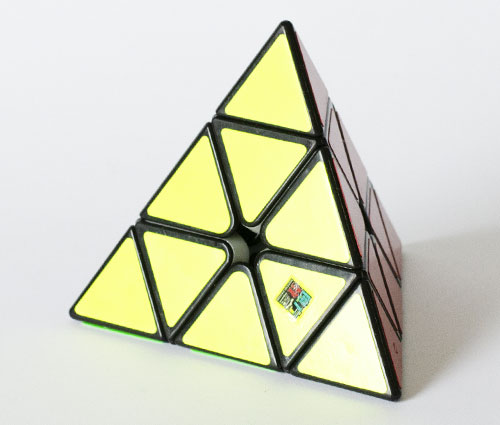 MF Pyraminx Crna